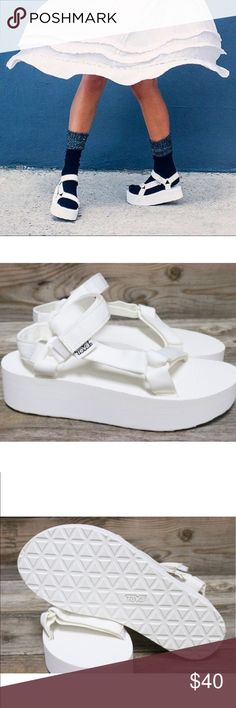 e6a48d79a7b9 Teva Original Flatform Universal White Sandals 9 New and Authentic!