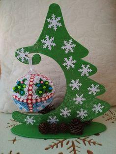 choinka#śnieżynki#bombka#szyszki#christmastree#snow