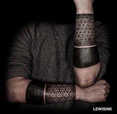 tattoo designs untrael geometric pop out of the skin ile ilgili görsel sonucu #maoritattoospierna