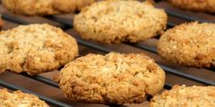 these Healthy Oatmeal, Raisin, Cranberry Cookies are in the oven and looking mighty tasty:) Cookie Recipes, Dessert Recipes, Desserts, Pumpkin Spice Cookies, Cranberry Cookies, Peanut Butter Oatmeal, Healthy Treats, Healthy Cookies, Delish