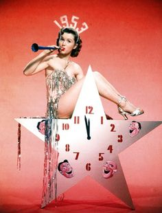 Debbie Reynolds , Happy New year , New Year Pinup Vintage Versace, Vintage Dior, Vintage Glamour, Vintage Vogue, Vintage Hollywood, Classic Hollywood, Vintage Beauty, Retro Vintage, Vintage Happy New Year
