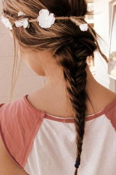 A pretty braid with a flower head band in your hair. Braided Ponytail Hairstyles, Pretty Hairstyles, Girl Hairstyles, Braid Hair, Loose Ponytail, Style Hairstyle, Messy Fishtail, Braid Headband, Braid Ponytail