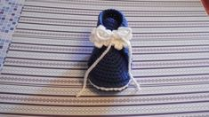 DSCI1629 Knit Crochet, Crochet Hats, Dory, Kids And Parenting, Most Beautiful Pictures, Baby Shoes, Baby Boy, Slippers, Beanie