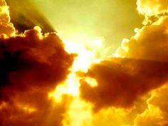 """""""Naquele dia, se dirá: Eis que este é o nosso Deus, em quem esperávamos, e ele nos salvará; este é o SENHOR, a quem aguardávamos; na sua salvação exultaremos e nos alegraremos."""" (Is 25.9)"""