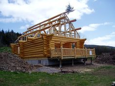 Photo gallery of log homes designed and/or built by Heartwood Log Homes. Log Cabin Plans, How To Build A Log Cabin, Small Log Cabin, Log Cabin Homes, Log Cabins, Stone Homes, Lincoln Logs, Log Home Designs, Rustic Homes