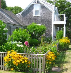 beautiful cottage on Nantucket from author Nancy Thayer--so pretty!