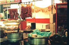 Chrorizo, chicharrón y mole. Mercado, Cholula, Puebla,México.   Foto por Diego Loza Cárdenas, Octubre, 2014. // 35mm film.