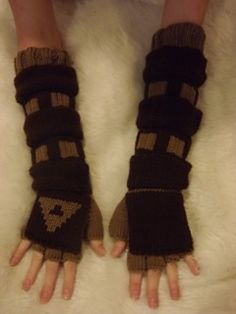 Knitted Link Gauntlets by Craftiness Craziness