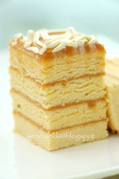 After a week of simple cakes. this week, we indulge in more indulgent ones. Caramel cake is quite a common thing. But in Philippines,. Filipino Dishes, Filipino Desserts, Asian Desserts, Filipino Recipes, Just Desserts, Filipino Food, Comida Filipina, Pinoy Dessert, Philippine Cuisine