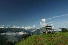 """Im historischen Ort Schwarzenberg bei Familie Peter """"Wälderhaus Apartments"""" wohnen und mit Bregenzerwald Gäste-Card die Bergbahnen in der Umgebung nutzten. Das kann Ihr Sommerurlaub werden."""