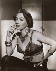 Joan Crawford Flamingo Road 1949 - promo shot wearing Joseff of Hollywood… Hollywood Jewelry, Old Hollywood Glamour, Golden Age Of Hollywood, Classic Hollywood, Hollywood Divas, Vintage Glamour, Vintage Hollywood, Joan Crawford, Hollywood Costume