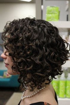 Lively Short Haircuts for Curly Hair