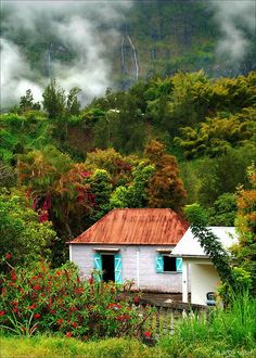 travelingcolors:    Créole house | Reunion (by *sido*)
