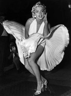 Behind-the-Scenes of Marilyn Monroe's Iconic Flying Skirt Photo While Filming 'The Seven Year Itch'