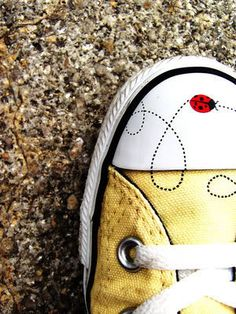 Ladybug converse! Customize your own with #edding permanent markers and #edding 4500 textile markers.