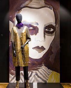 Marchesa Casati - Gabriele d'Annunzio Autumn - Winter 2016 - 17 collection. The new Windows at Modepaleis in Antwerp with illustrations by Gill Button. #driesvannoten #dvn #modepaleis #buttonfruit #windows
