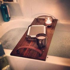 What a awesome thing to have over your bathtub! I will have one!