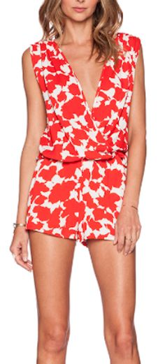 pretty red patterned romper - perfect for summer!