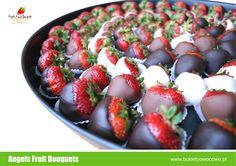 Yummy dipped fruit from Angels Fruit Boqueuts!   #dippedfruit #strawberriesinchocolate #truskawkiwczkoladzie #fruitinchocolate #chocolatelovers #owocewczekoladzie