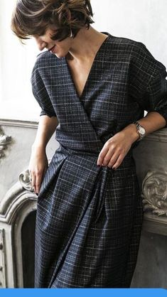 Make a look like this with the Seamwork Ruth wrap dress sewing pattern. Make a look like this with the Seamwork Ruth wrap dress sewing pattern. Dress Skirt, The Dress, Shirt Dress, Knot Dress, Apron Dress, Dress Pattern Free, Pattern Sewing, Lady Rockers, Looks Chic