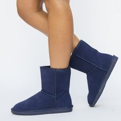 Cizme Dama UG Ieftine Online Bearpaw Boots, Knee Boots, Shoes, Fashion, Moda, Zapatos, Shoes Outlet, Fashion Styles, Knee Boot