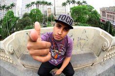 http://mixme.com.br/novidades/ouca-vicio-musica-da-nova-mixtape-do-rashid/