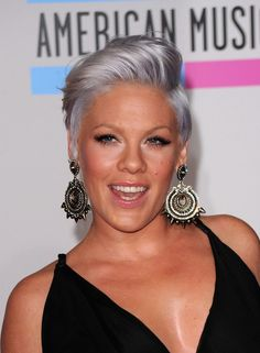 Pink-Short-Side-Part-Haircut-for-Short-Hair Popular Short Hairstyles for Women 2019 Pink Grey Hair, Pink Short Hair, Silver Grey Hair, Purple, Silver Color, Lilac, Kelly Osbourne, Popular Short Hairstyles, Cool Hairstyles