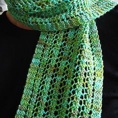 Simple Ladder Stitch, One Row Lace Scarf: free #knitting #scarf #pattern