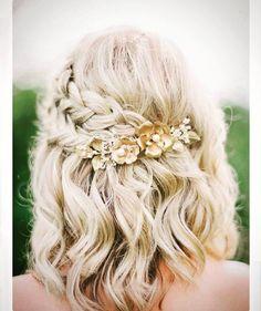 "15 Likes, 1 Comments - CICILY BRIDAL (@cicilybridal) on Instagram: ""{SHORT HAIR INSPO} #weddingdayhair for the #bob #hairstyle #hairinspo #weddinginspo #shorthair…"""