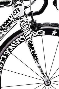 ♂ Go green. RIde a bike. black & white bicycle 👍👌🔥💕na Bicycle Paint Job, Bicycle Painting, Bicycle Art, Velo Design, Bicycle Design, Logo Velo, Vtt Dirt, Bike Bmx, Push Bikes