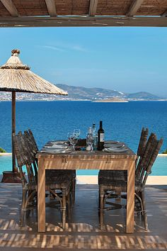 Lunch time in Antiparos #Greece