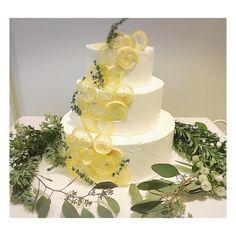 いいね!240件、コメント1件 ― ウェディングアドバイザー(元ウェディングプランナー)さん(@aya___wedding)のInstagramアカウント: 「レモン🍋の#ウェディングケーキ ・ ・ 見た目も香りもとっても爽やか♡ ・ ・ 可愛すぎました♡♡ ・ ・ #レモン #wedding #blidal #originalwedding…」