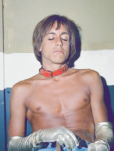 astralsilence: Iggy Pop photographed by Frank Pettis, 1970.