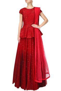 By designer Varun Bahl. Bridelan- Personal shopper & style consultants for Indian/NRI weddings, website www.bridelan.com #Bridelan #weddinglehenga #VarunBahl #VarunBahlLehenga