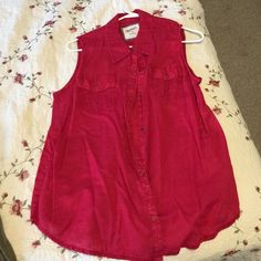 Red arizona vest Red arizona snap vest. XL Arizona Jean Company Tops Button Down Shirts