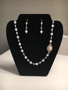 41c6f11539da Elegant Bridal Backdrop Pearl Necklace and Earring Set by FrostedByJessica  on Etsy Collares De Perlas