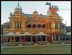 Breakfast Creek Hotel - Albion, Queensland - a Brisbane icon - immortalised in song by Midnight Oil and you can get a great feed there