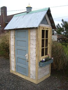 Cute gardening shed from Bob Bowling Rustics - Alles über den Garten Rack Bike, Shed Conversion Ideas, Rustic Shed, Bowling, Garden Tool Shed, Garden Sheds, Diy Garden, Home And Garden Store, Small Sheds