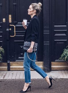 Street Style : Getting ready in classic blazer, denim jeans and coffee…. cool Street Style : Getting ready in classic blazer, denim jeans and coffee…. Look Fashion, Girl Fashion, Denim Fashion, Fashion Details, Street Fashion, Fashion Outfits, Fashion Trends, How To Wear Blazers, Looks Jeans