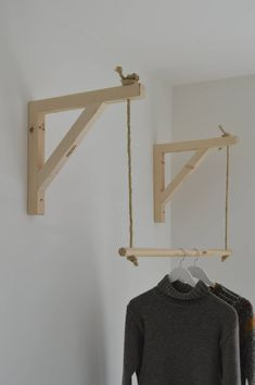 Hanging ,Pair of Shelf Brackets, Shelf Brackets and Ladder, Shelf Brackets and Rail ! - Hanging Pair of Shelf Brackets Shelf Brackets and Ladder You are in the right place about diy cuader - Diy Bedroom Decor, Diy Home Decor, Wall Decor, Wall Art, Garderobe Design, Diy Garderobe, Clothes Shelves, Clothes Storage, Hanging Clothes Racks