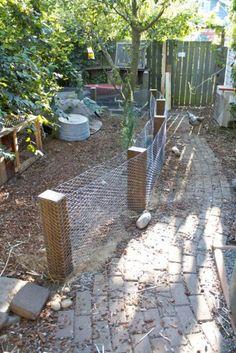 17 DIY garden fence ideas to keep your plants - # more below . - 17 DIY garden fence ideas to keep your plants – # more below … - Fenced Vegetable Garden, Vertical Vegetable Gardens, Diy Garden Fence, Garden Stakes, Garden Beds, Fence Design, Garden Design, Gabion Wall Design, Diy Jardin