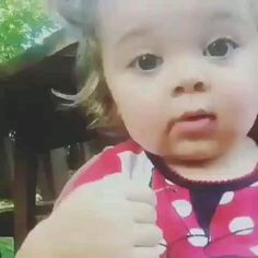 Funny Videos For Kids, Cute Baby Videos, Funny Short Videos, Funny Animal Videos, Funny Text Memes, Crazy Funny Memes, Cute Funny Babies, Cute Kids, Wedding Dance Video