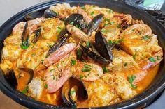 Seafood Stew, Spanish Food, Saveur, Homemade Beauty, Paella, Food Network Recipes, Food Inspiration, Tapas, Food To Make