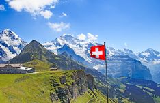 Enjoy a 7 day Europe Tour, guided Taster tour from Expat Explore, which offers a world of experiences, sights & adventures on a 1 week Europe Trip! Travel Destinations Bucket Lists, Family Vacation Destinations, Vacation Ideas, Vacation Packages, Bern, Travel Outfit Spring, Videos Photos, London Tours, Best Family Vacations