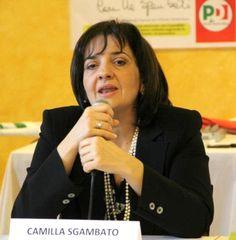 Bacino di crisi, Sgambato accompagna i lavoratori dal ministro De Vincenti a cura di Redazione - http://www.vivicasagiove.it/notizie/bacino-di-crisi-sgambato-accompagna-i-lavoratori-dal-ministro-de-vincenti/
