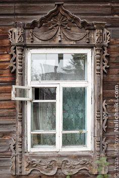 Томск, деревянный оконный наличник №30