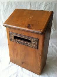 Resultat d'imatges de wooden mail boxes