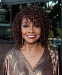 Beverly Todd - Royal Pains - USA Network - guest on ep. Pretty Hair Color, Hair Color Purple, Black Female Actresses, Pretty Hairstyles, Straight Hairstyles, Black Celebrities, Celebs, Natural Hair Styles, Short Hair Styles