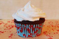 Pretty cupcake liners that don't let batter bleed through.