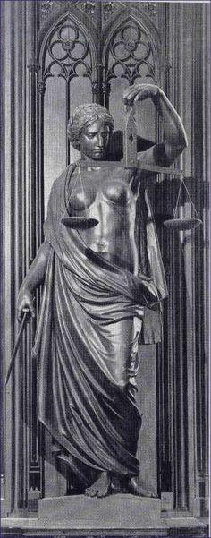 Justitia - Bronzeskulptur! Justitia Bronzeskulptur Besitz: Rathaus Erfurt